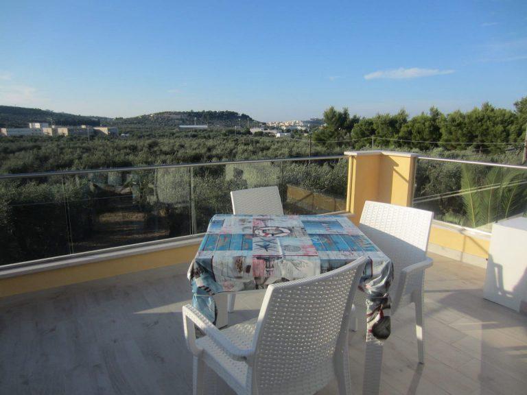 Appartamento con vista panoramica sugli ulivi