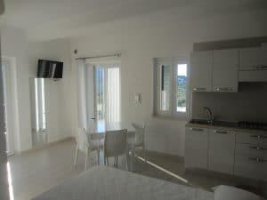 Appartamento monolocale deluxe con angolo cottura attrezzato