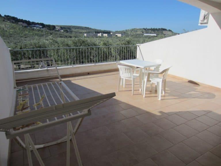 Veranda e terrazzo con vista panoramica sugli uliveti