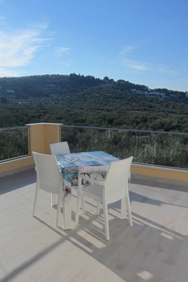 Monolocale deluxe, ampia veranda con terrazzo panoramico sul parco del Gargano