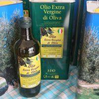 Lattine e bottiglie di olio extravergine di oliva del Gargano